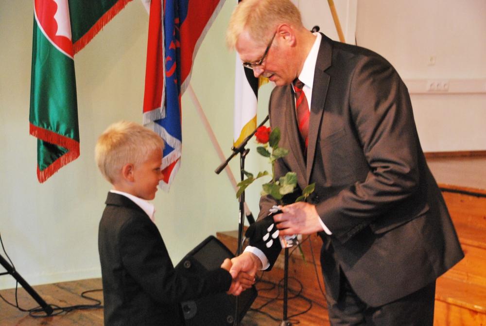 Tänupäeval tunnustas Sindi Gümnaasium oma parimaid õpilasi